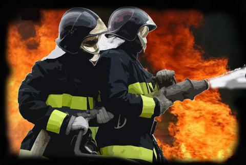 Os bombeiros, passam por diversas de situações de perigo durante o seu período na corporação.
