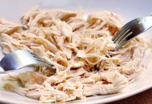 Como preparar frango para desfiar