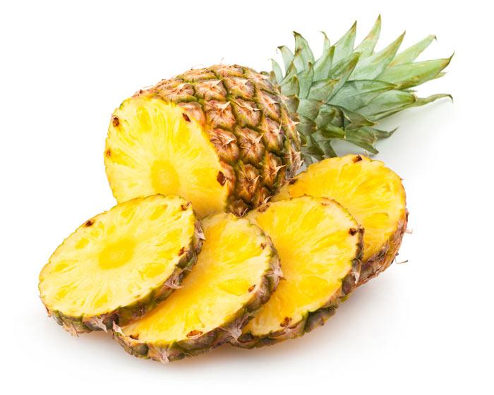 Você já deve ter notado nas churrascarias, o pessoal comendo o abacaxi. Dizendo eles que isso serve para evitar o efeito da gordura da carne, agora vai saber.