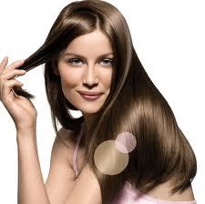 Essa blindagem, só trás benefícios, fazendo com que os cabelos tenham uma hidratação muito intensa, deixando com que as camadas dos fios fiquem totalmente seladas.
