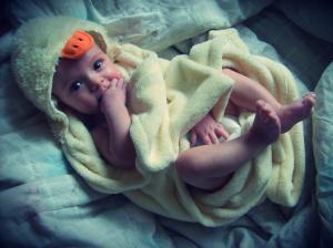 Não tenha medo de dar banho no seu filho só proque ele chora. Mostre a ele o quão é legal e importante esse momento.