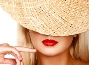 Lábios com batom vermelho