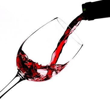 Fique de olho, na quantidade em que esta bebendo de vinho, pois tudo em excesso faz mau.