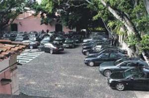 os carros ficam guardados, até mediante liberação da ordem maior.