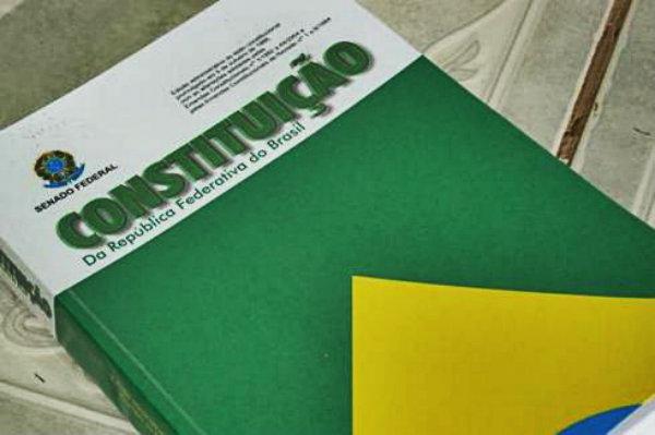 Constituição Brasileira foi criada no ano de 1988.