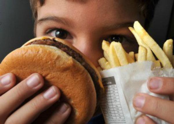 Eles podem ocasionar várias doenças, como a obesidade, derrame, depressão e outros.
