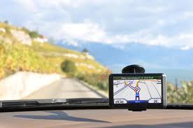 Esse tipo de tecnologia pode escolher também os melhores trajetos para evitar o transito.