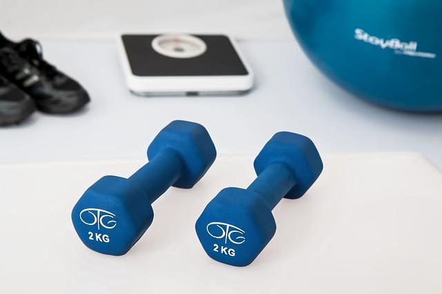 Apetrechos utilizados para o exercício em casa.