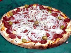 Receita de pizza de calabresa