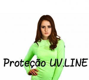 Em algumas roupas é possível encontrar a marca UV.